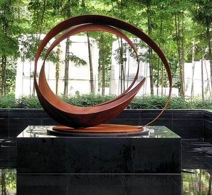 Sculpture by Damon Hyldreth
