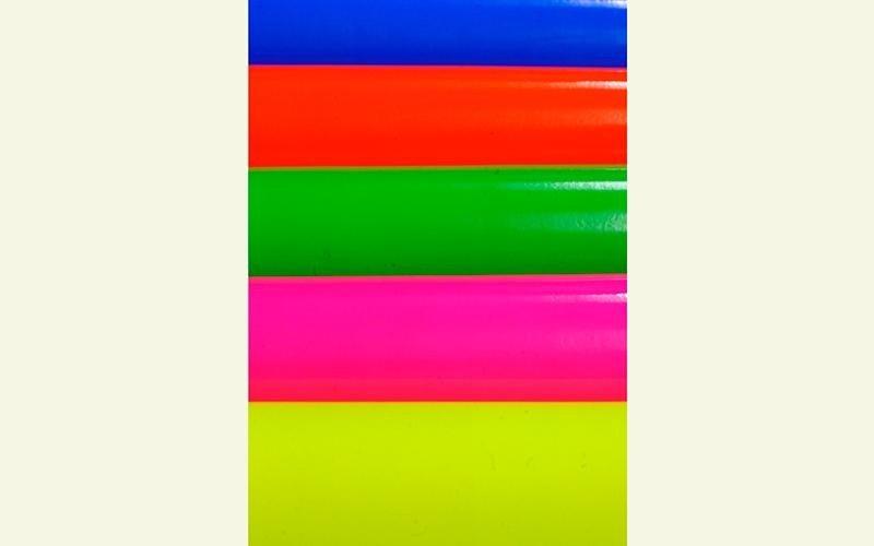 Tessuti verniciati in colori fluo milano