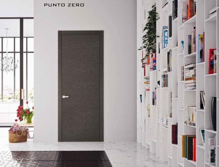 porta interno con disegno su muro