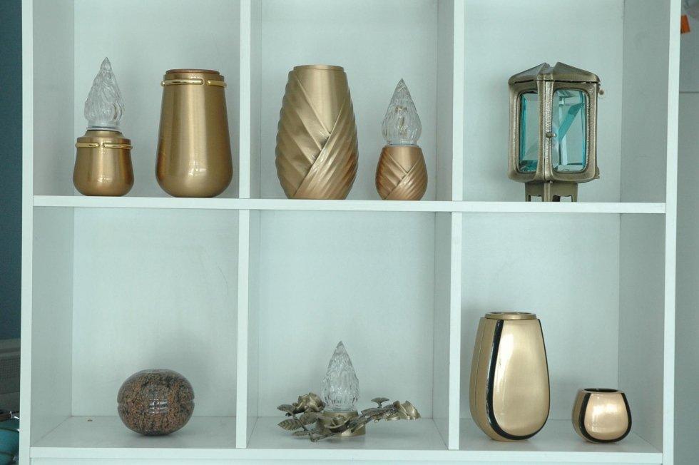 vasi per cimitero