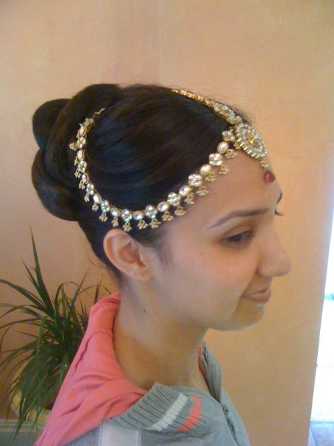 custom hairstyle using an accessory