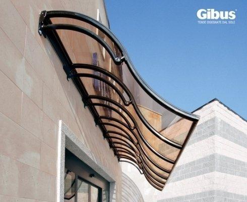 Coperture di vetrine o passaggi pedonali, struttura in alluminio verniciato