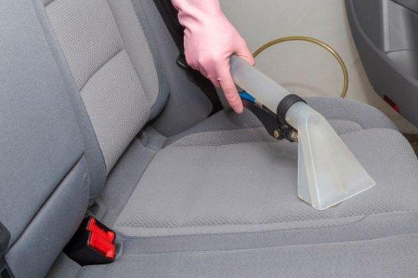 Smacchiatura e Disinfezione tappezzeria auto