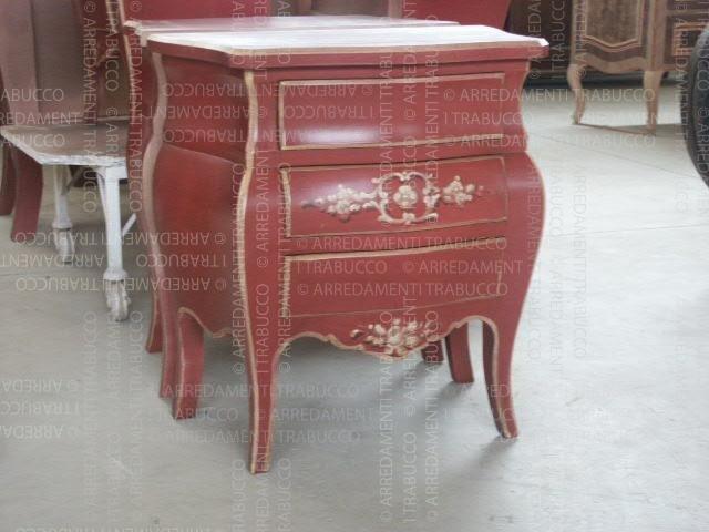 Comodino rosso arte fiorentina
