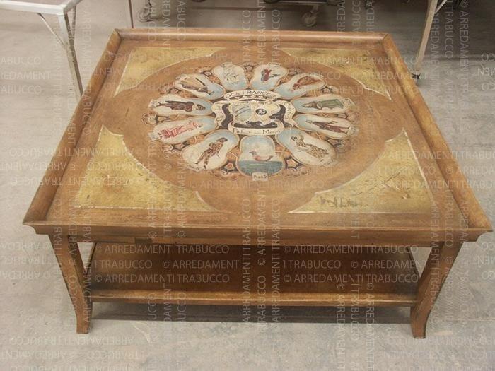 Tavolino con dipinto pregiato in stile arte fiorentina