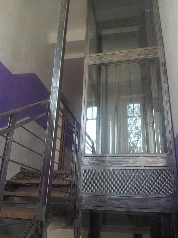 scale in acciaio