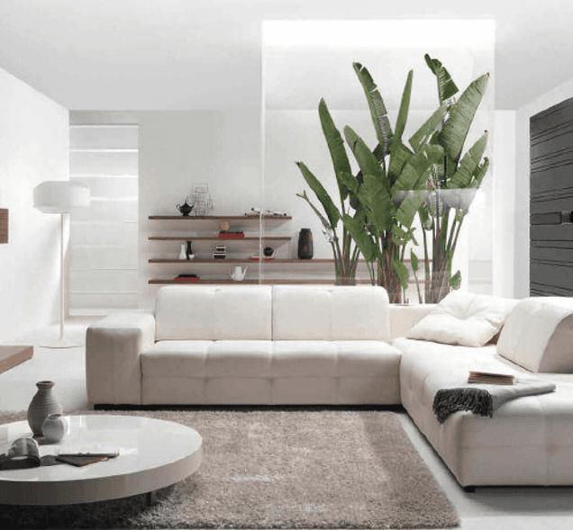 Un soggiorno con divano angolare