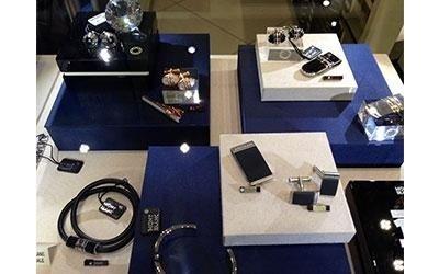 esposizione accessori e articoli da regalo