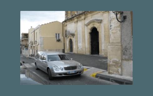 Auto per il trasporto funebre