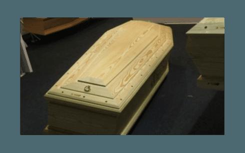 Cassa funebre in legno semplice