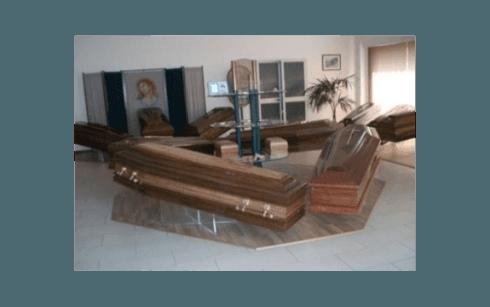 Esposizione cofano funebre
