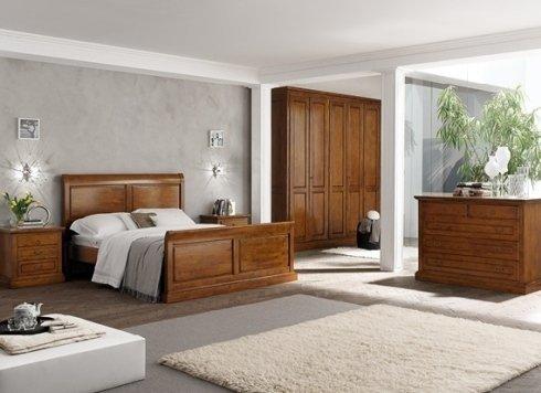 camera da letto con armadio in legno