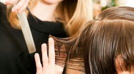 ristrutturazione del capello, idratazione del capello, trattamenti capillari