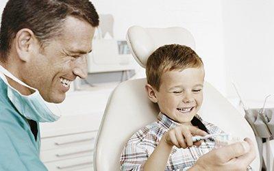 katoomba dental centre dentist treating boy
