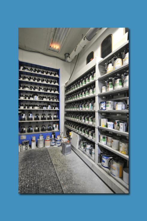 La Carrozzeria Pastore e Maceri si occupa della vendita di prodotti per la manutenzione del vostro veicolo.