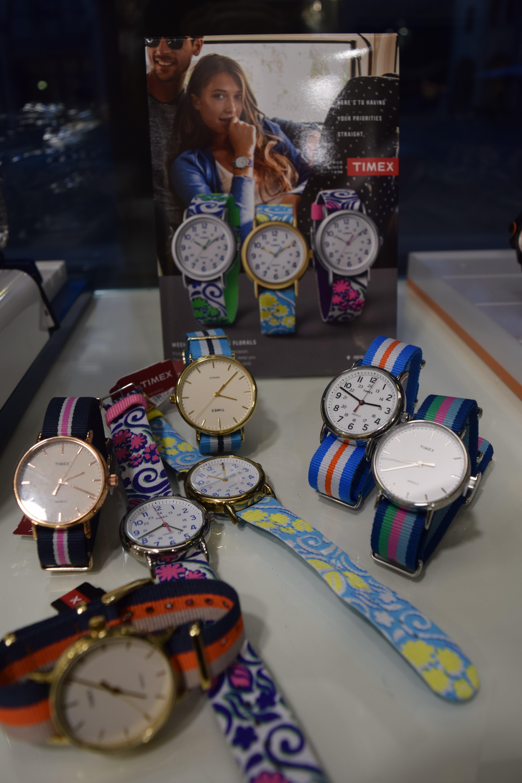 orologi di vari colori  e fantasie
