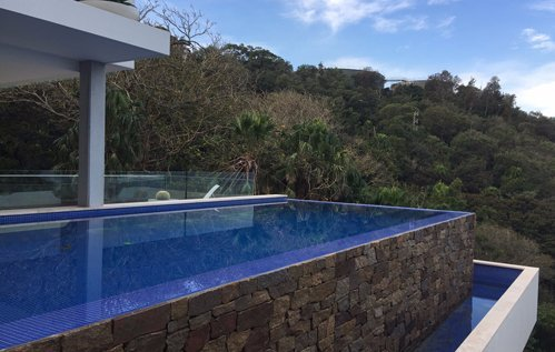 87 Hillside pool