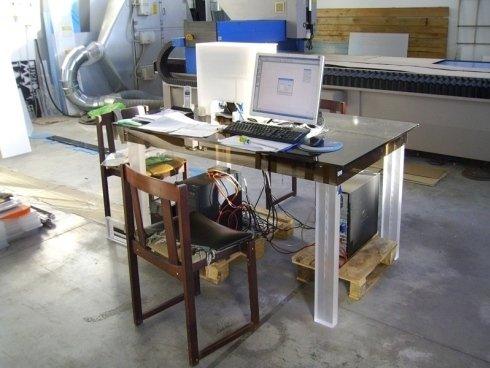tavolo con computer