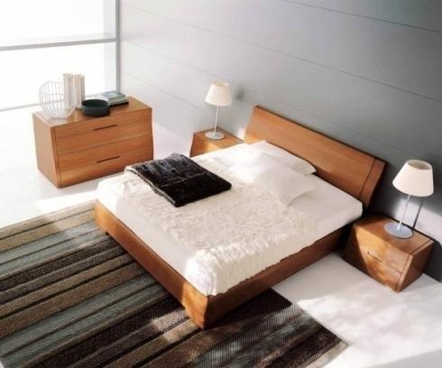 Camera in legno chiaro Napol