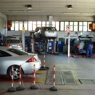 Meccanici, riparazione auto