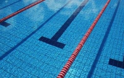 Chemical products for swimming pools