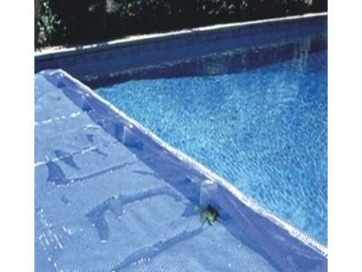 Isothermal covers for swimming pools