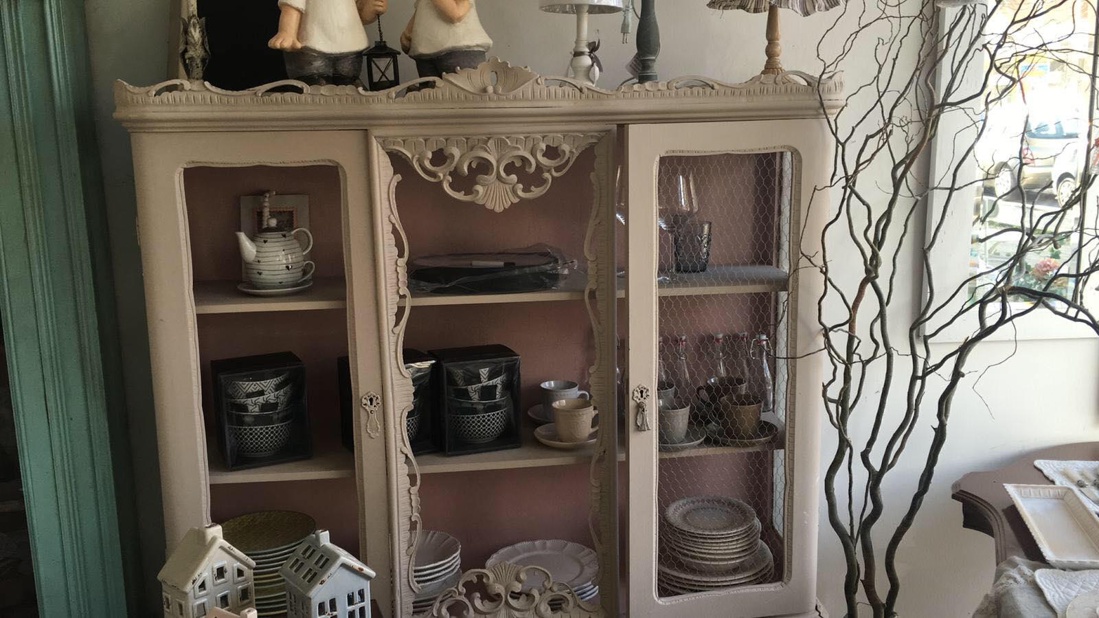 Valutazione mobili usati roma la petite maison di for Regalo mobili vecchi