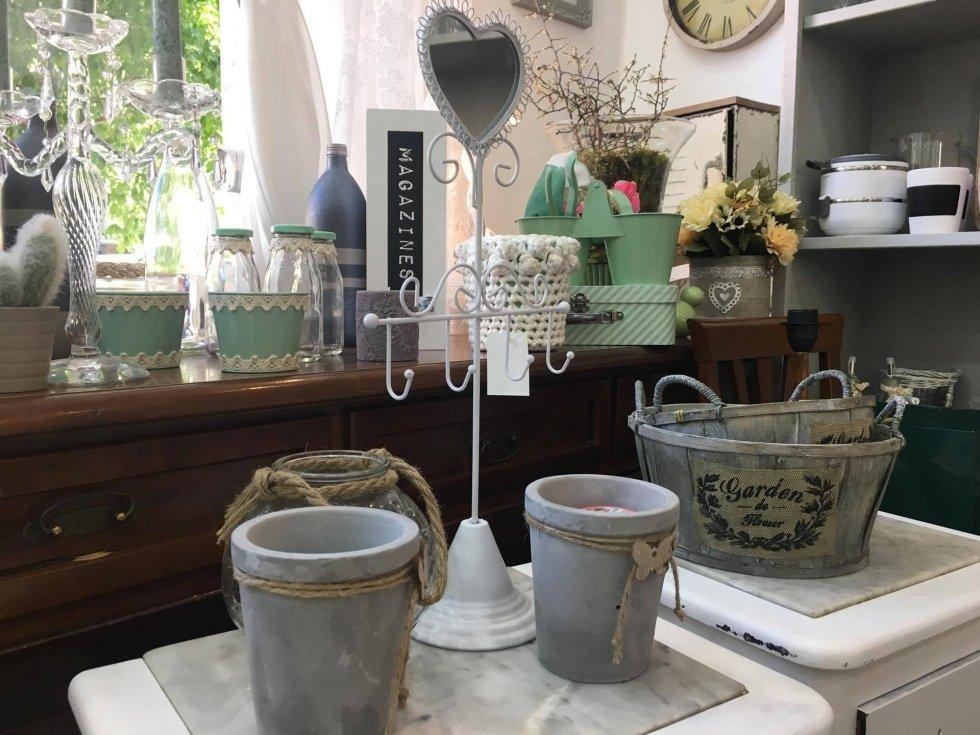 Vendita oggetti shabby roma la petite maison di ivano guadagno - Permuta mobili usati ...