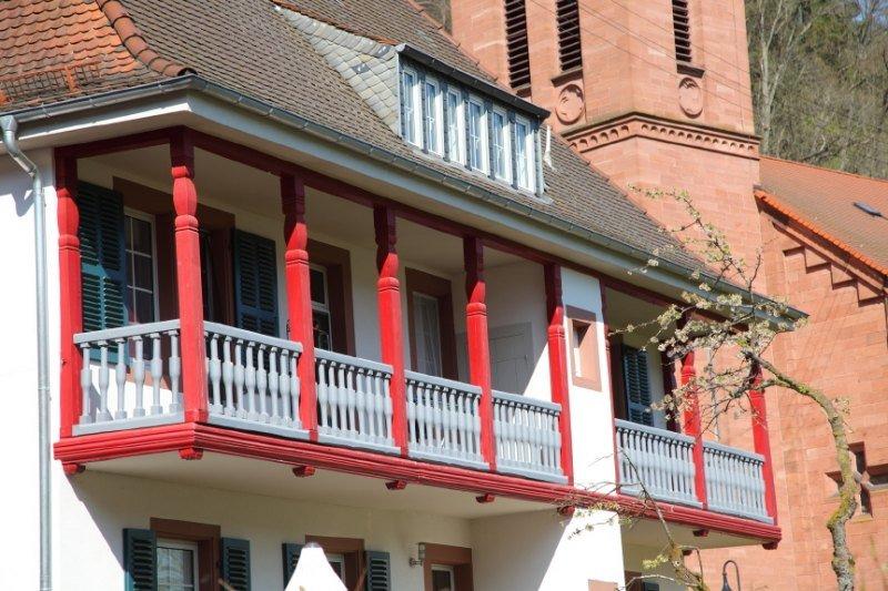 Altes Pfarrhaus im Zentrum von Elmstein