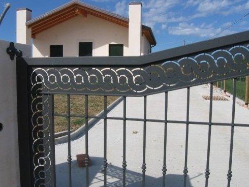 cancello realizzato artigianalmente