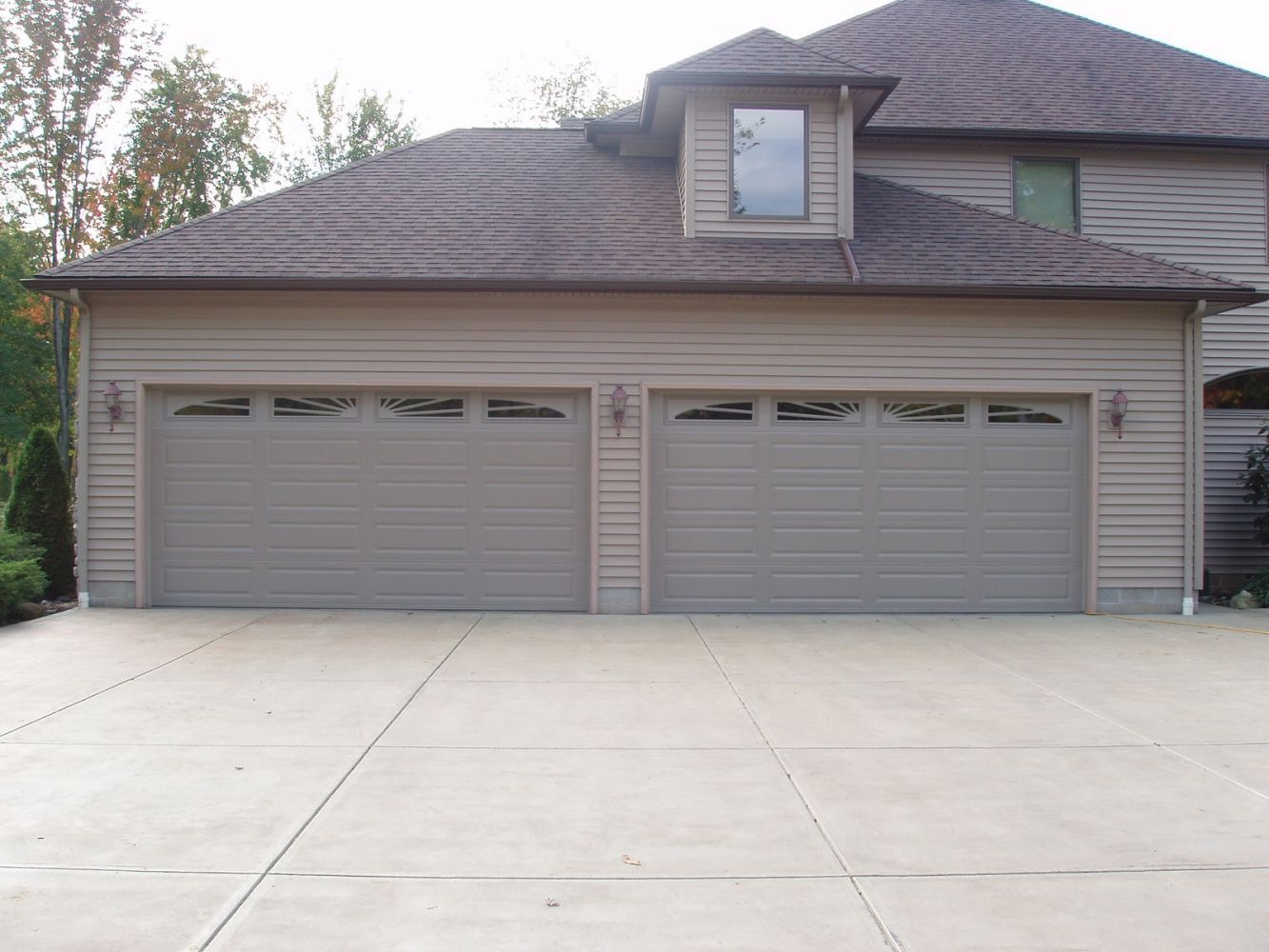 Residental garage door repairs columbia station oh for Garage door repair