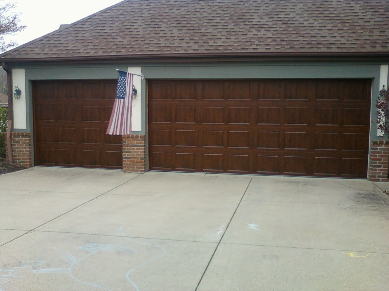 Residental garage door repairs columbia station oh for Wood grain garage doors