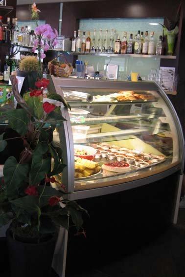 banco gelateria con fiore
