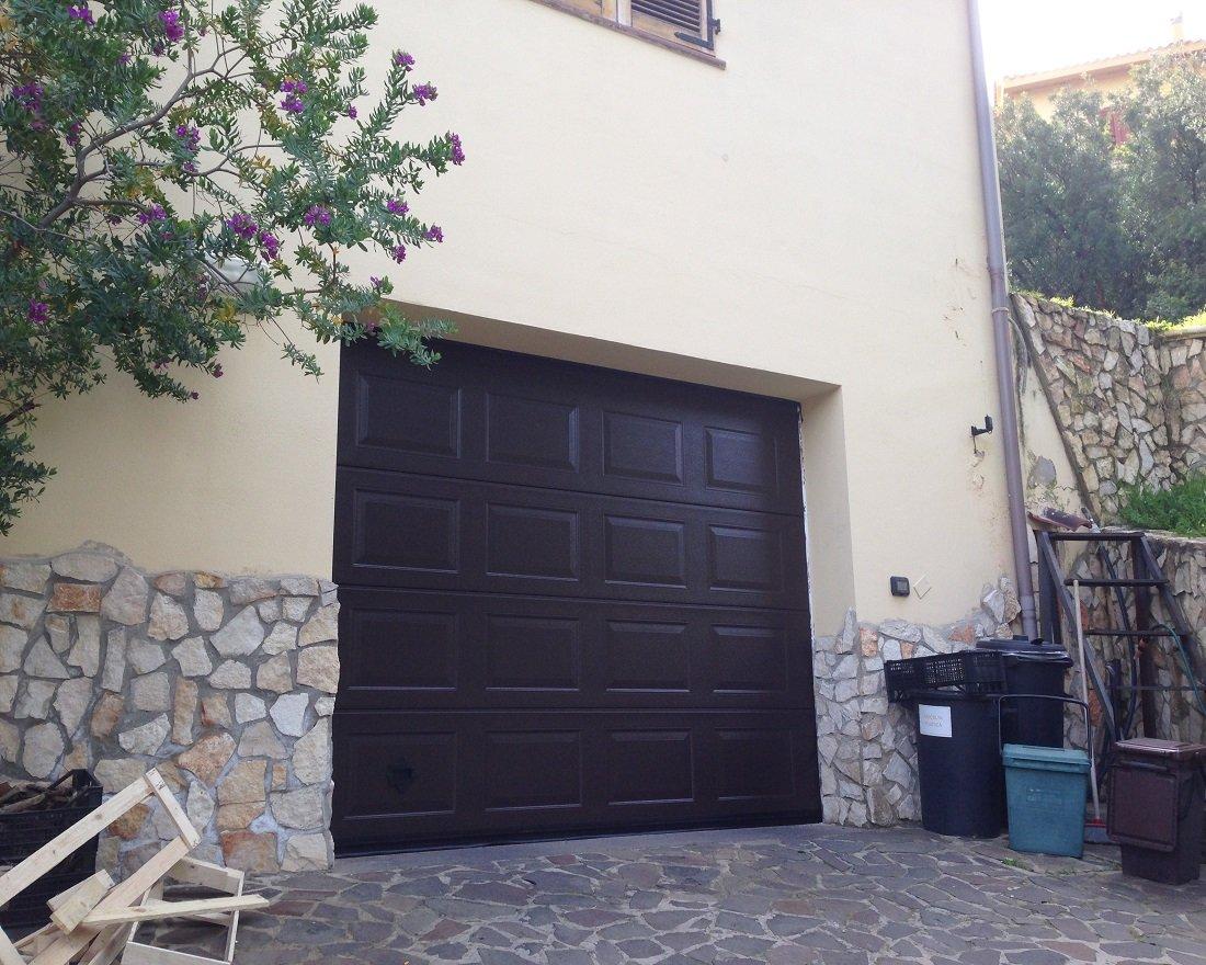 Porte e Portoni Sezionali per abitazioni