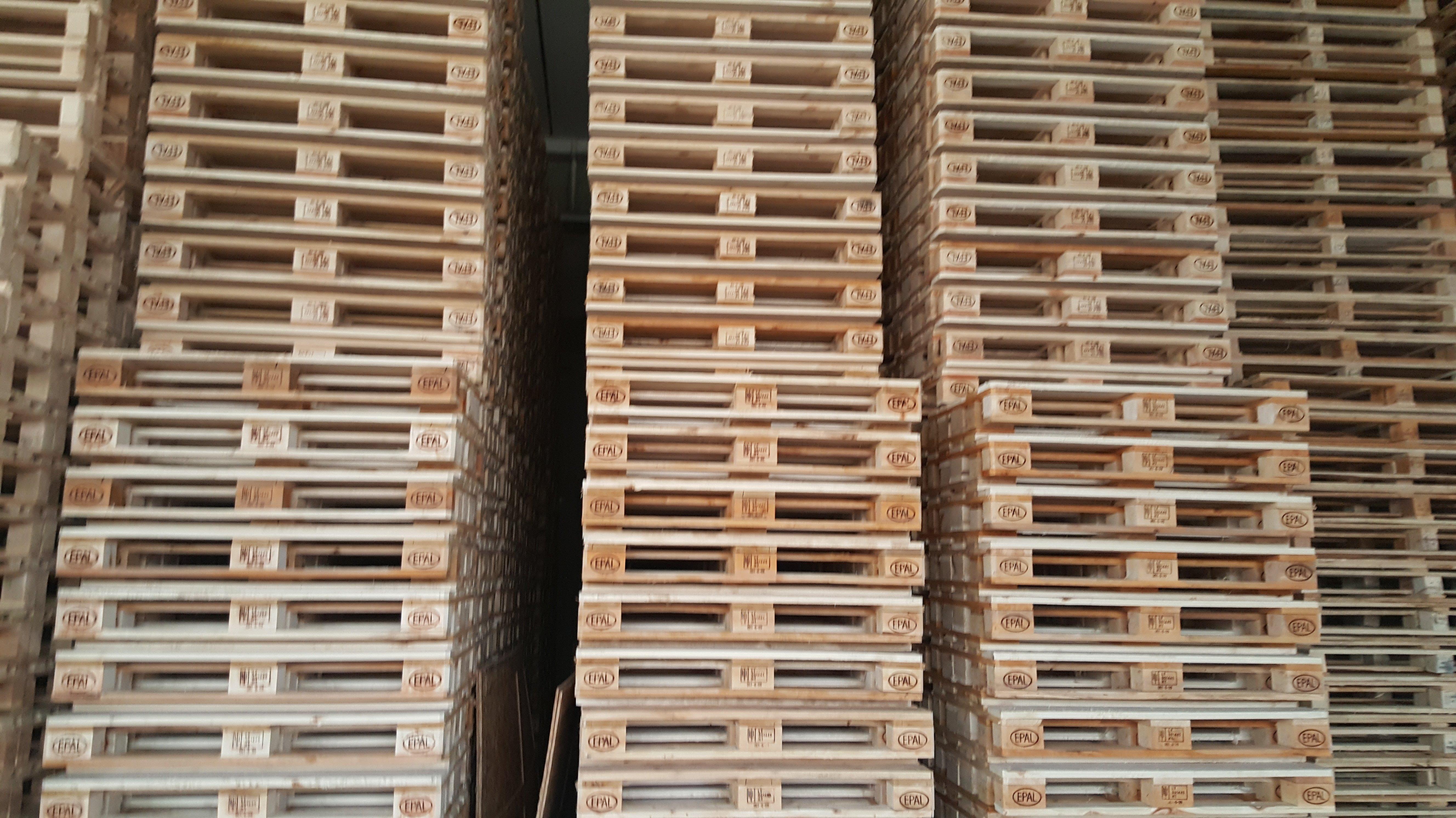 cassette in legno in pile