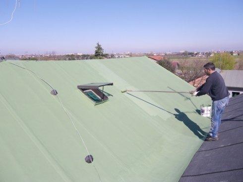 lavoro di copertura di un tetto