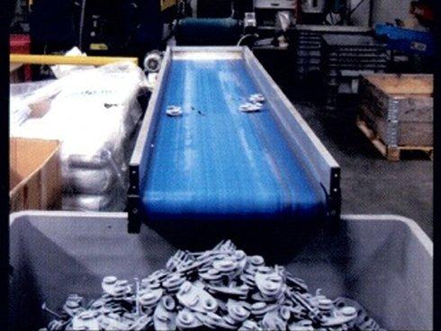 stampaggio di contenitori in plastica per alimenti