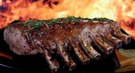 costata di maiale, carne alla griglia, carne ovina
