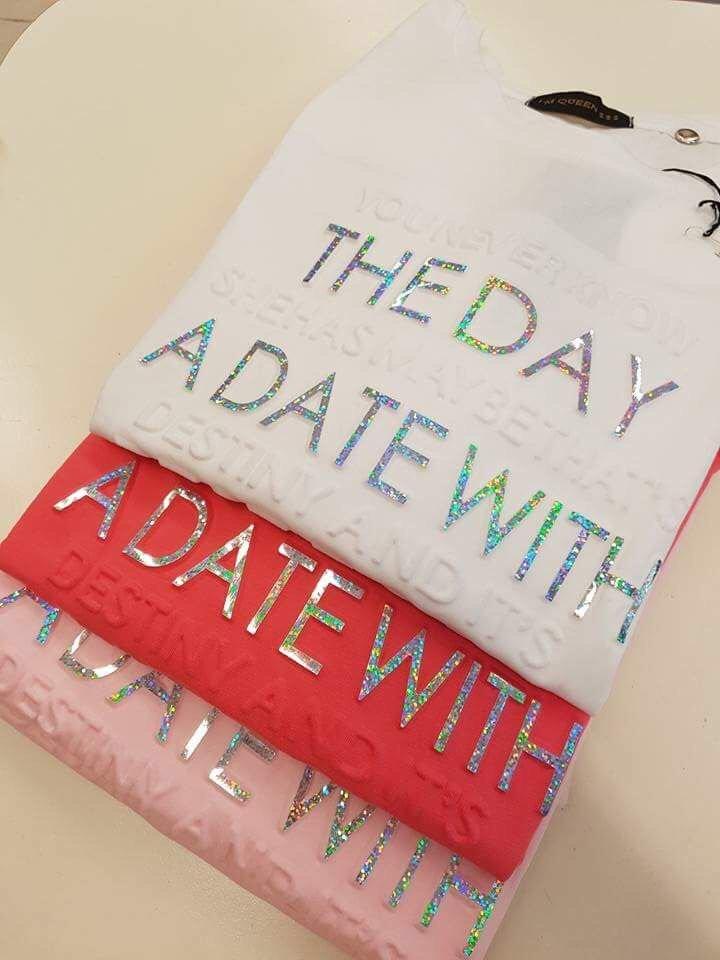 magliette di diversi colori