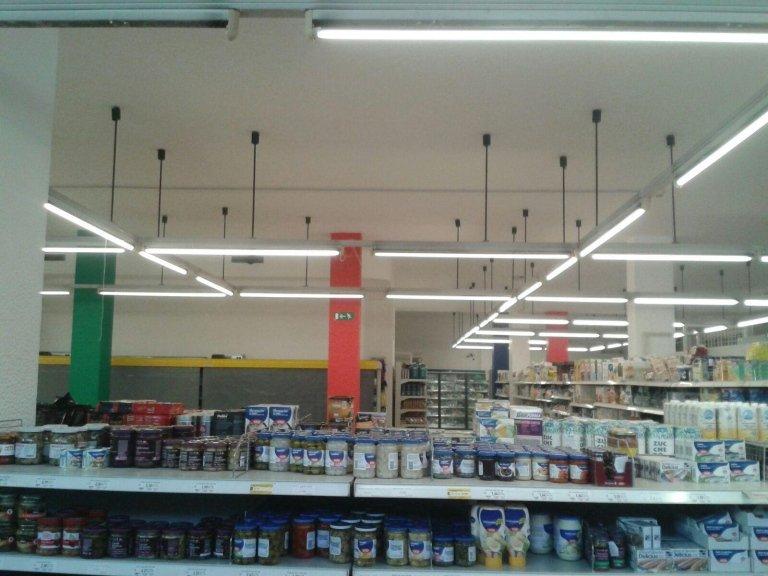 Imbiancatura negozio alimentari coop