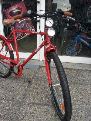 una bicicletta rossa