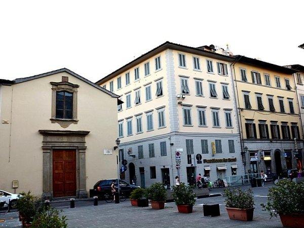 Palazzo in via Folco Portinari