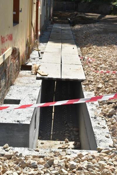 Villa Linda - lavori di scannafosso, consolidamento fondamento, ristrutturazione edile