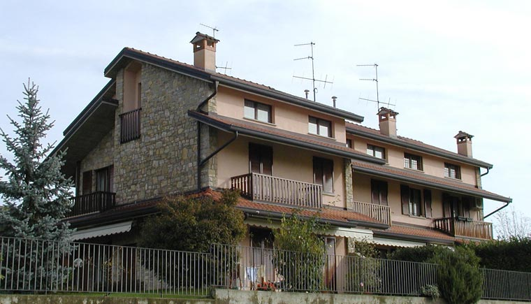 Esterno residenza Via Alcani