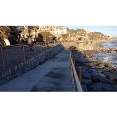 muratura, muretto sul mare