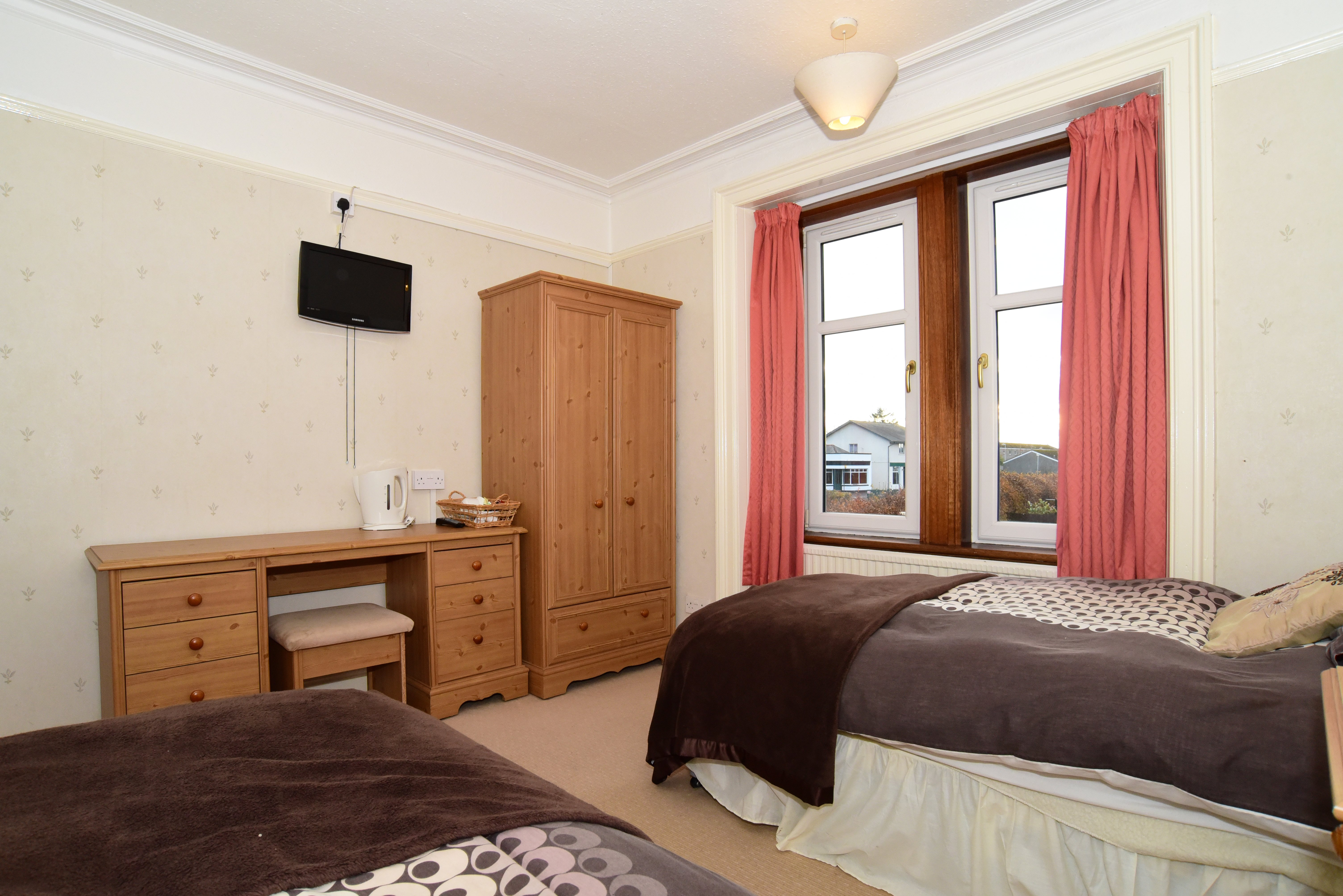 single beds accommodation options