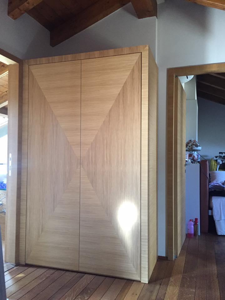 Portone d'ingresso in legno massello