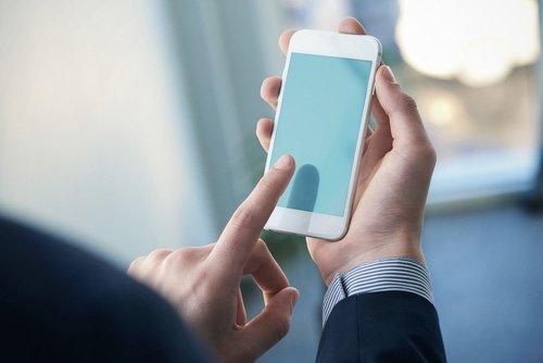 servizio di riparazio e rigenerazione di telefoni cellulare