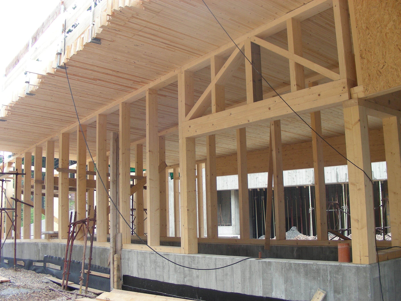 costruzione di un'edificio in legno