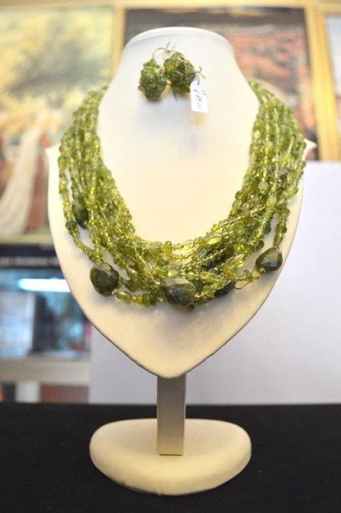 Collana e orecchini in Peridoto naturale